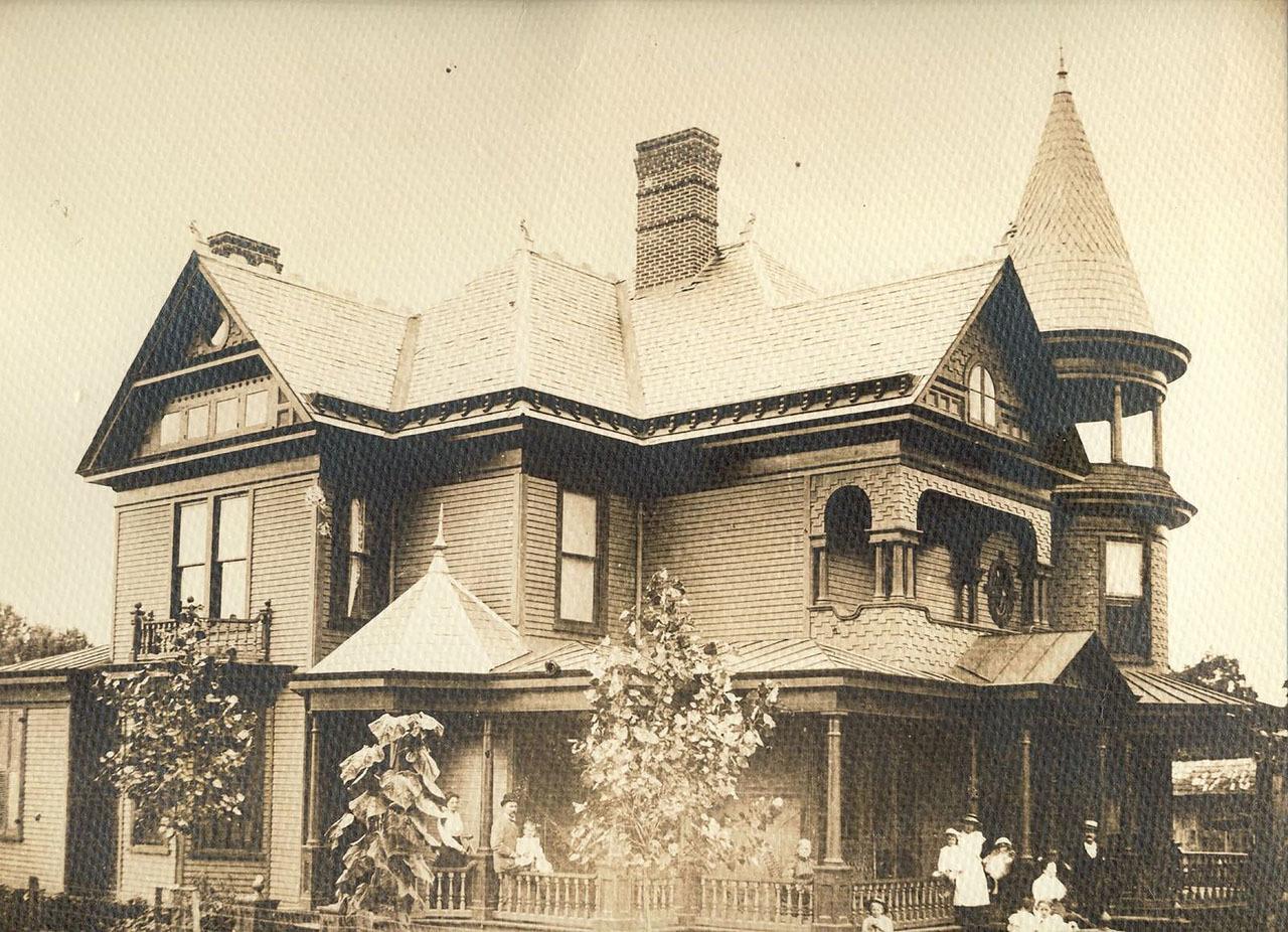 Photograph, Alexander Black House