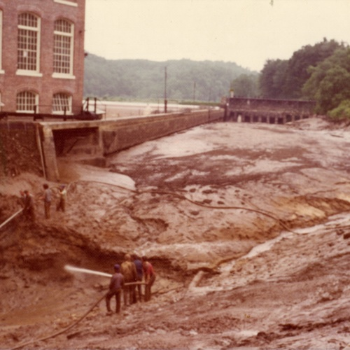 Flushing Into the River (Ms1989-039)