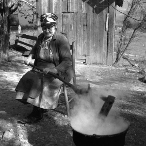 Nora Treece cooks apple butter