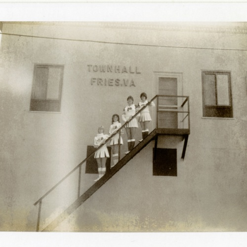 Cheerleaders on the Town Hall Stairs (Ms1898-039)