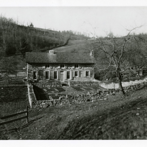 Photograph of Ripshin, Sherwood Anderson's summer (and later year-round) home outside of Troutdale, Virginia (Ms1973-002)