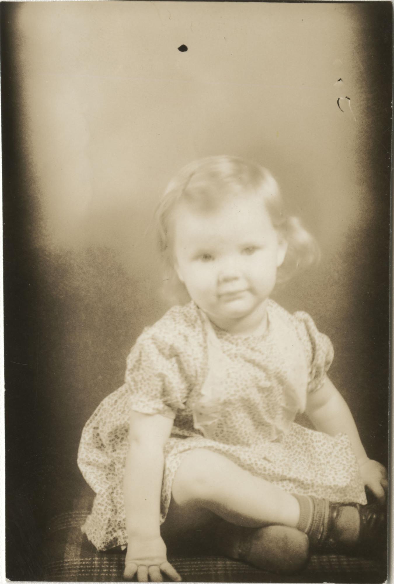 Ms2014-002_BeulahAllen_B1_F15_Photograph_1938_1100_02a.jpg
