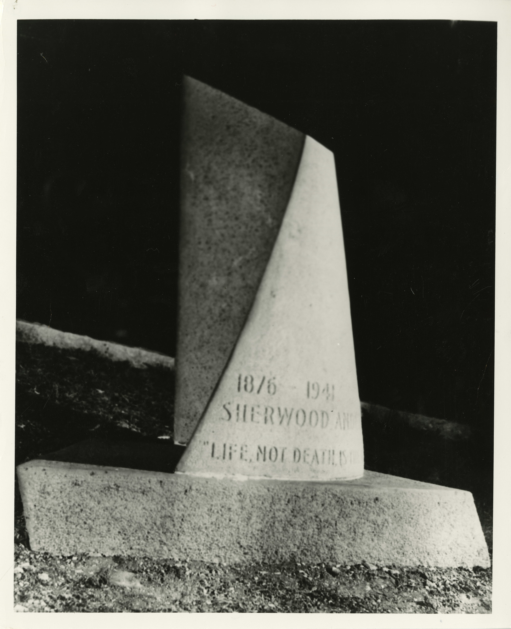 Ms1973_002_AndersonSherwood_B2F22_Grave001.jpg