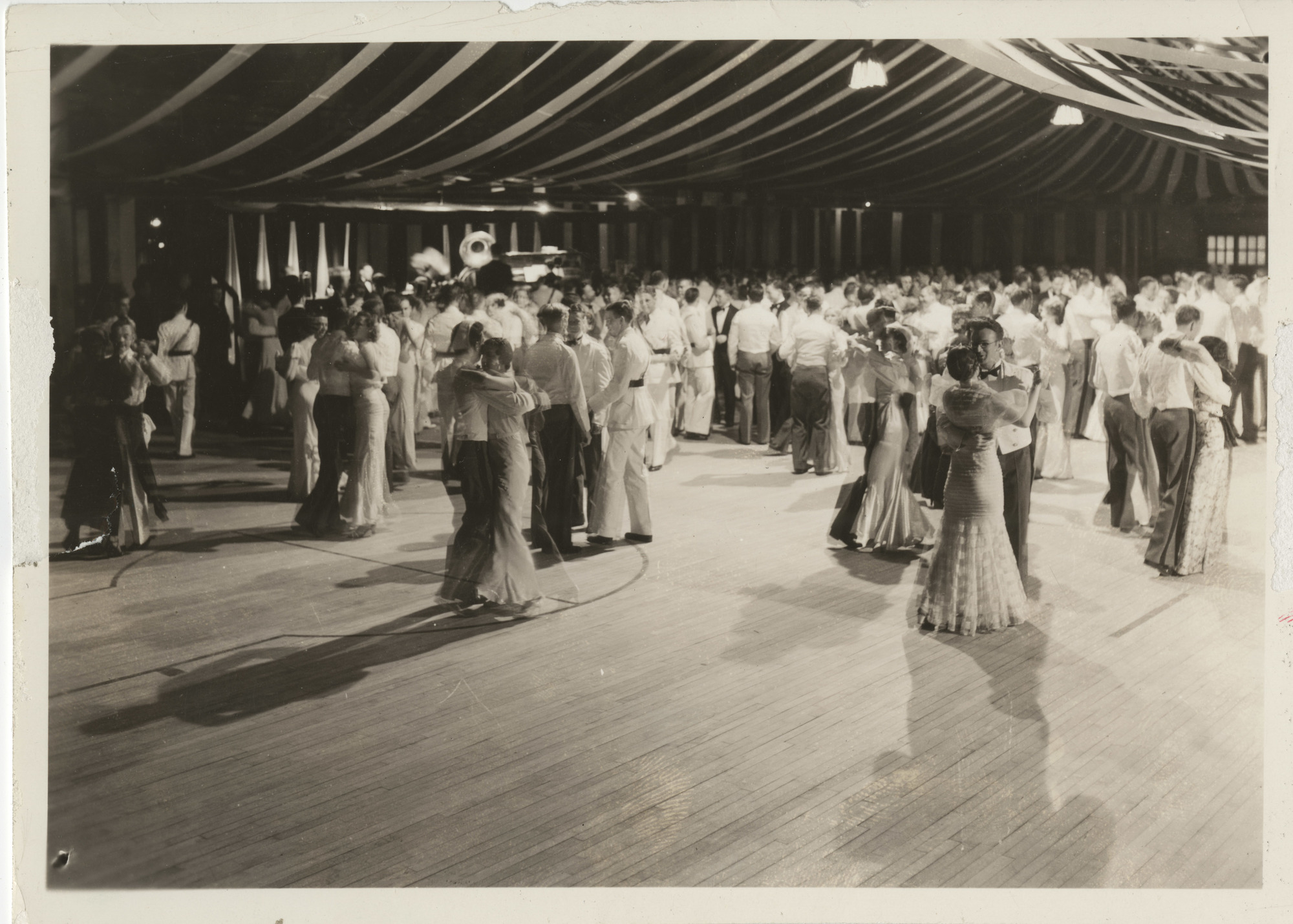 Ms0000-00_FirstRingDance_Photograph_1934_0427.jpg