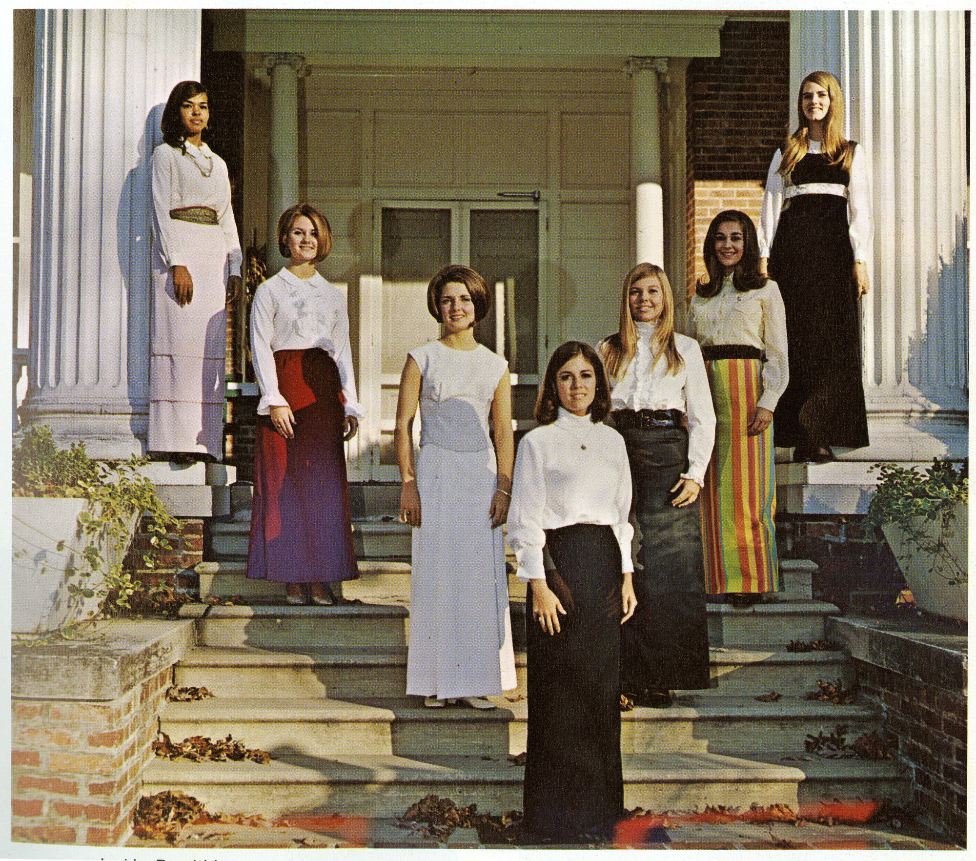 http://spec.lib.vt.edu/pickup/Omeka_upload/1968HomecomingCourt.jpg