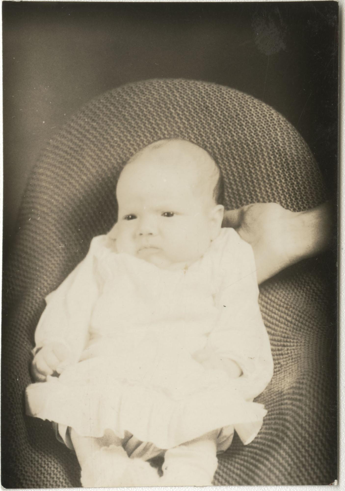 Ms2014-002_BeulahAllen_B1_F15_Photograph_1938_1100_01a.jpg