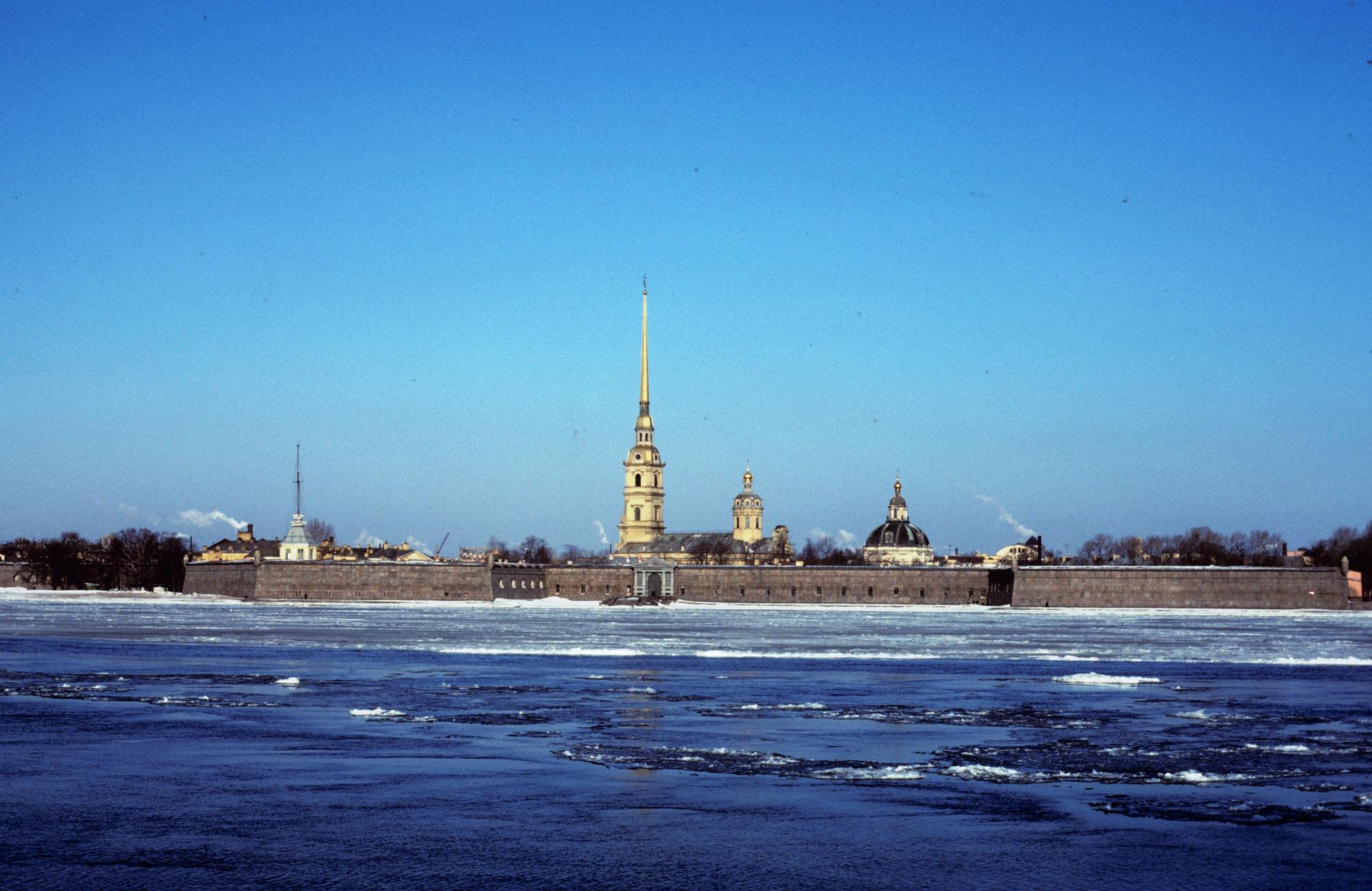 Ms2020_001_BurtonDoug_B1_F8_2_1979_Soviet_Union_009.jpg