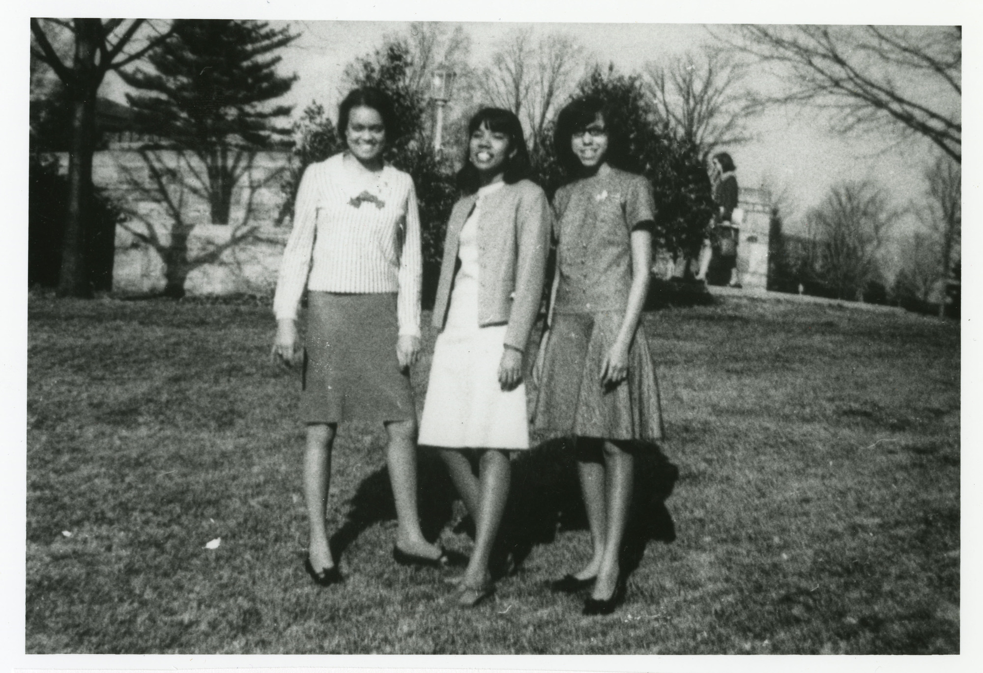 http://spec.lib.vt.edu/pickup/Omeka_upload/ChiquitaHudsonMargueriteHarperandLindaAdams_1966.jpg