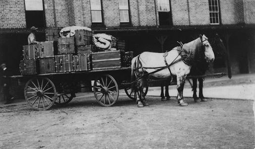 1918_horsecar.jpg