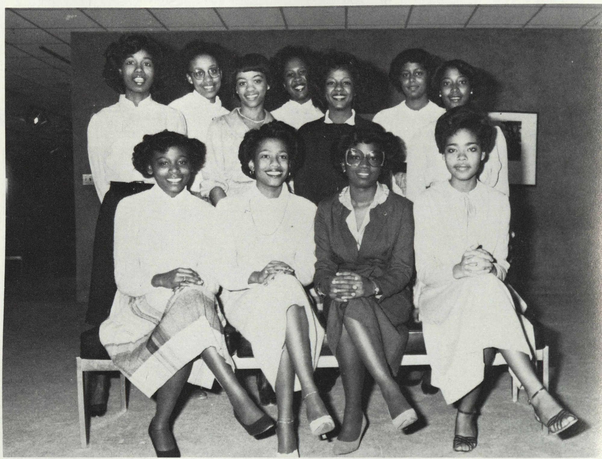 http://spec.lib.vt.edu/pickup/Omeka_upload/AlphaKappaAlpha_1982.jpg
