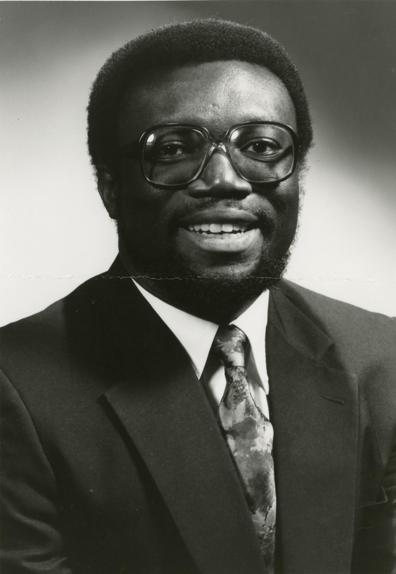 http://spec.lib.vt.edu/pickup/Omeka_upload/Kwansa_Francis_1992.jpg