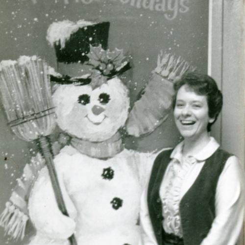 Onita Black with Snowman Decoration (Ms1989-039)