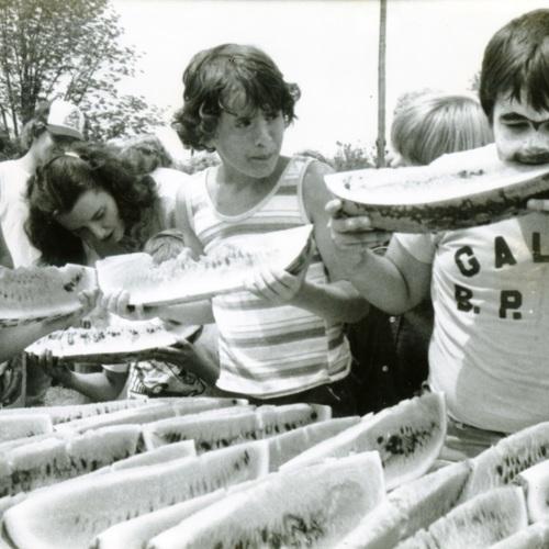 Kids Eat Watermelon (Ms1989-039)