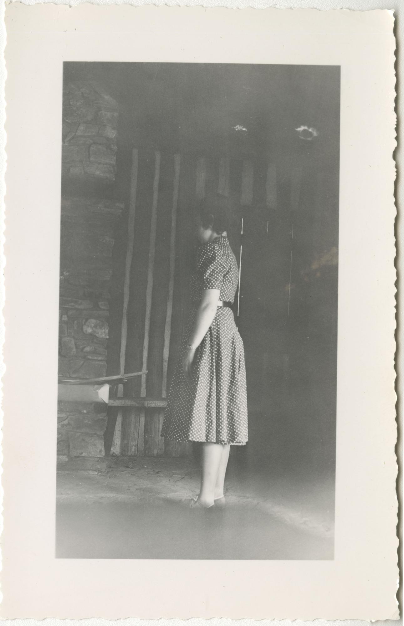Ms2014-002_BeulahAllen_B1_F15_Photograph_1939_1022a.jpg