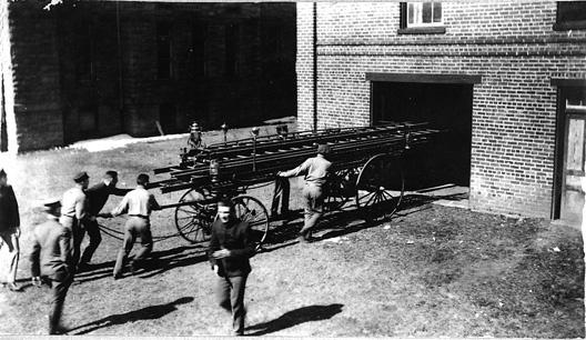 1918_firetruc.jpg
