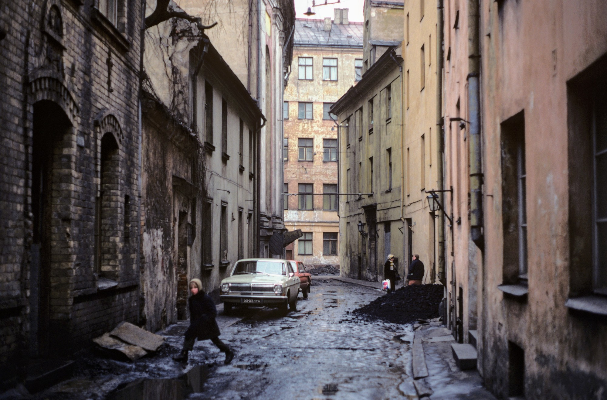 Ms2020_001_BurtonDoug_B1_F8_6_1979_Soviet_Union_022.jpg