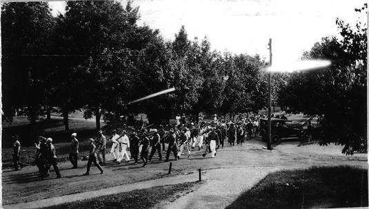 1918_ratpar.jpg